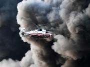 Cháy chợ khủng khiếp ở Nga, bầu trời như tận thế