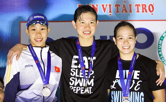 """Phương Anh """"cô bé ốm yếu"""" tập bơi 2 năm thắng Ánh Viên 3"""