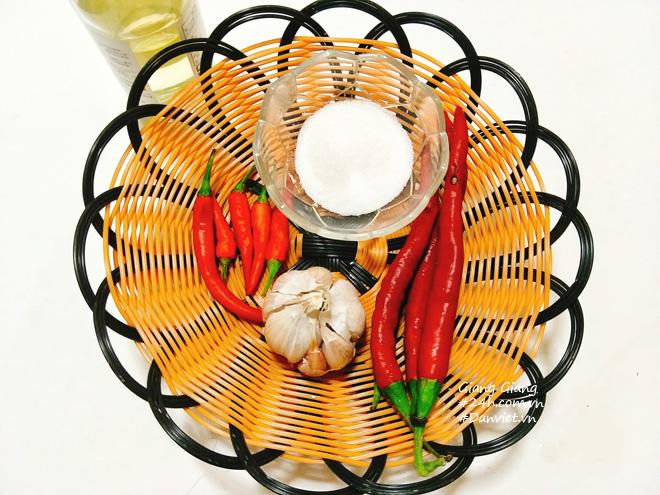 Bí quyết làm nước chấm chua ngọt sánh đặc, thơm lừng ăn món nào cũng ngon - 2