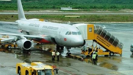 Máy bay bị sét đánh trúng đuôi ở Nghệ An - 1