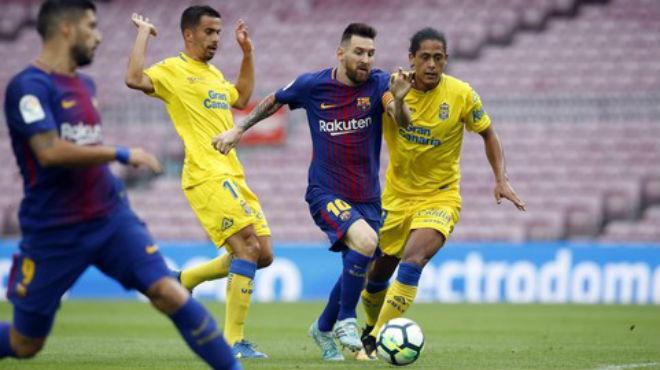 Barca có thể chuyển nhà sang Anh: Real mở cờ, La Liga lo sốt vó - 1