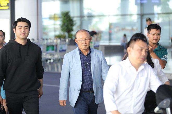 HLV Park Hang Seo lương 5 tỷ đồng/năm đến Việt Nam ngồi ghế nóng - 7