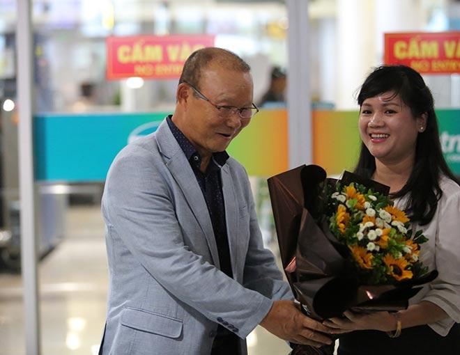 HLV Park Hang Seo lương 5 tỷ đồng/năm đến Việt Nam ngồi ghế nóng - 9