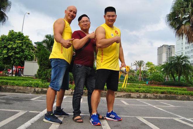 """""""Ông trùm"""" vật tay Việt: 45 tuổi hạ cao thủ mới 18, nặng 102kg 2"""