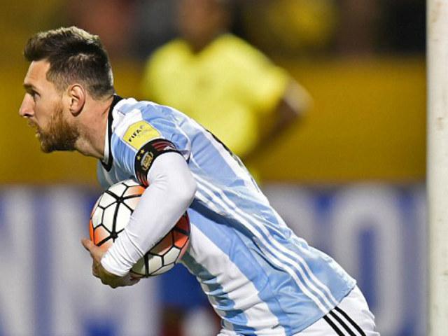 """Báo chí thế giới gọi Messi là """"phép thuật Thượng Đế"""", người Bồ kiêng nể 9"""