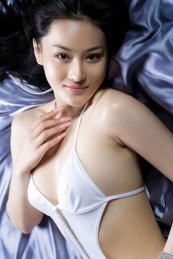 """3 mẫu nữ Trung Quốc bị đồn """"đi khách"""" giá cao, lừa tình đại gia - 7"""
