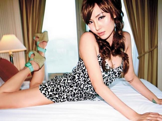 """3 mẫu nữ Trung Quốc bị đồn """"đi khách"""" giá cao, lừa tình đại gia - 8"""