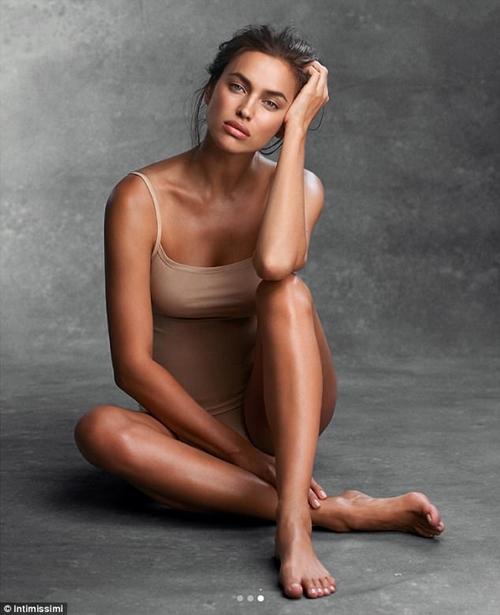 """""""Mẹ bỉm sữa"""" Irina Shayk lấy lại dáng sexy nhanh khó tin sau sinh - 10"""