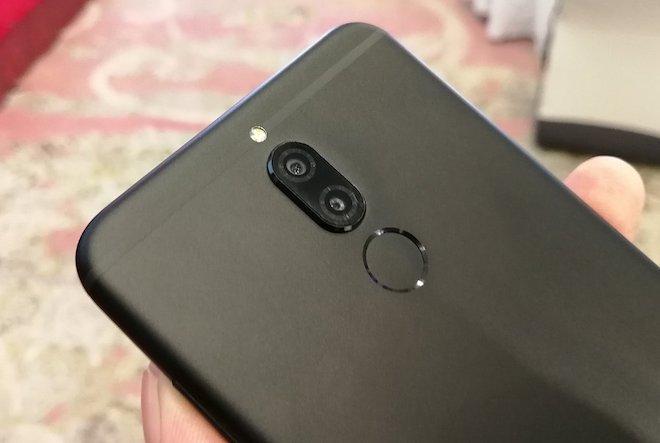 Huawei Nova 2i trình làng: Màn hình tràn, 4 camera, giá rẻ không tưởng - 2