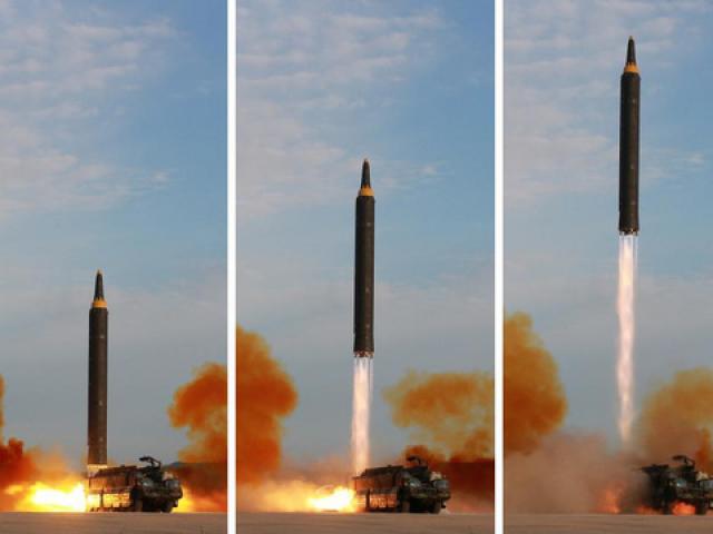 """Triều Tiên phóng """"mưa tên lửa"""" đón đại hội đảng của Trung Quốc?"""