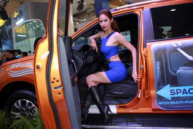 Thị trường ô tô lao dốc vì người Việt chờ sang năm 2018 - 1