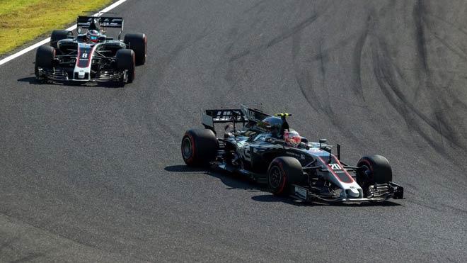 """Đua xe F1: """"Bò húc"""" sống lại thời hoàng kim, hướng đến cuộc đấu tam mã 3"""