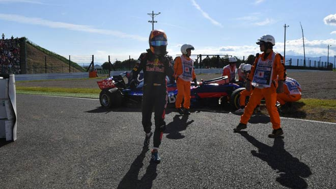 """Đua xe F1: """"Bò húc"""" sống lại thời hoàng kim, hướng đến cuộc đấu tam mã 4"""