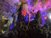 Lạc bước  đến hang Ghị Rằng - chốn bồng lai tiên cảnh nơi hạ giới