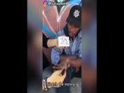 Trai trẻ làm ảo thuật biến hóa tiền tặng người vô gia cư