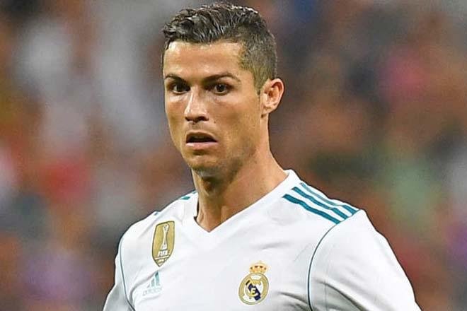 Real cách mạng: Ronaldo hết thời, nhường bộ ba 300 triệu bảng - 1