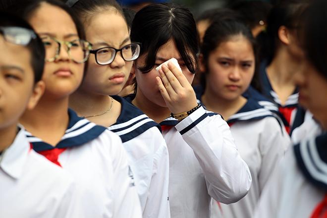 Mưa nước mắt tiễn biệt thầy Văn Như Cương về nơi an nghỉ - 9