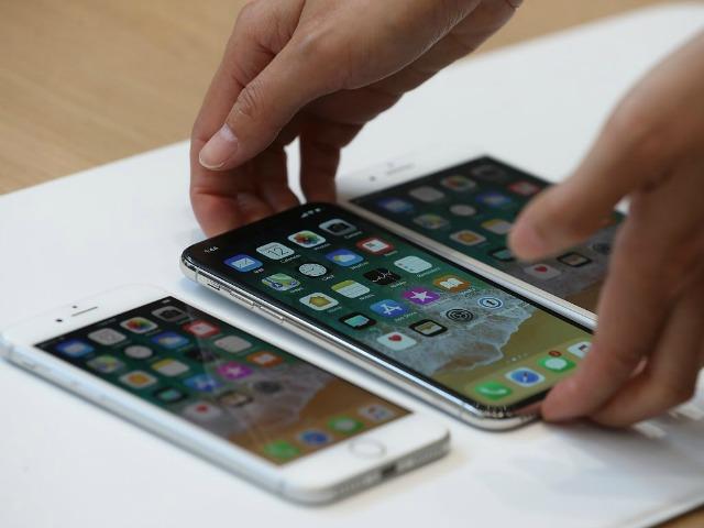 """Apple """"bắt tay"""" với LG Display để sản xuất iPhone có khả năng gập lại - 2"""