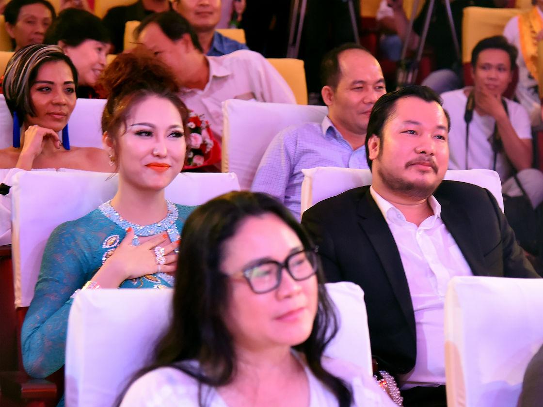 Phi Thanh Vân công khai bạn trai doanh nhân, dự định kết hôn lần ba - 6