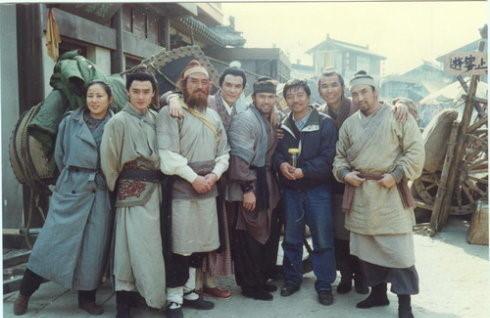 Những hình ảnh hiếm của đoàn làm phim Thủy Hử 1998 - ảnh 2