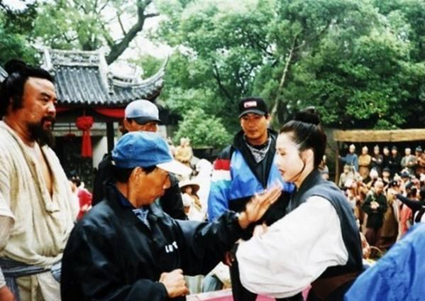 Những hình ảnh hiếm của đoàn làm phim Thủy Hử 1998 - ảnh 4