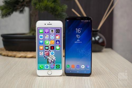 So sánh iPhone 8 với Galaxy S8: Cuộc đua không cân sức - ảnh 1