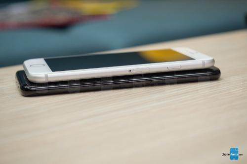 So sánh iPhone 8 với Galaxy S8: Cuộc đua không cân sức - ảnh 3