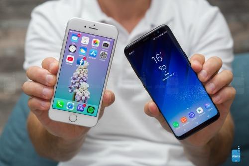 So sánh iPhone 8 với Galaxy S8: Cuộc đua không cân sức - ảnh 2