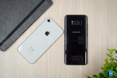 So sánh iPhone 8 với Galaxy S8: Cuộc đua không cân sức - ảnh 12