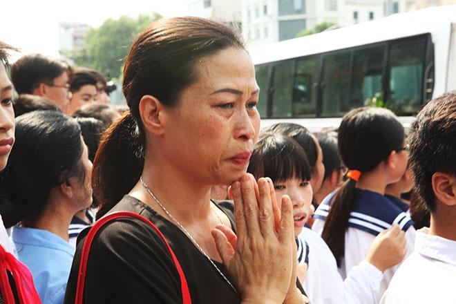 Hàng nghìn người bật khóc hát từ biệt PGS Văn Như Cương lần cuối - ảnh 7