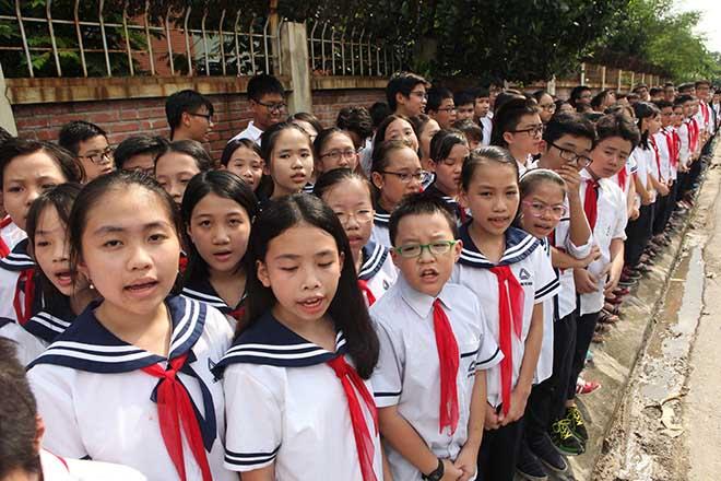 Hàng nghìn người bật khóc hát từ biệt PGS Văn Như Cương lần cuối - ảnh 2