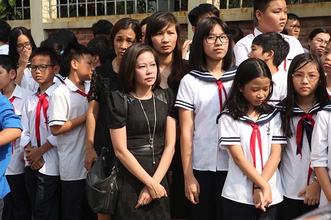 Hàng nghìn người bật khóc hát từ biệt PGS Văn Như Cương lần cuối - ảnh 8