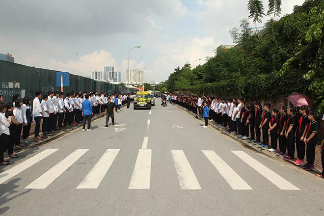 Hàng nghìn người bật khóc hát từ biệt PGS Văn Như Cương lần cuối - ảnh 12