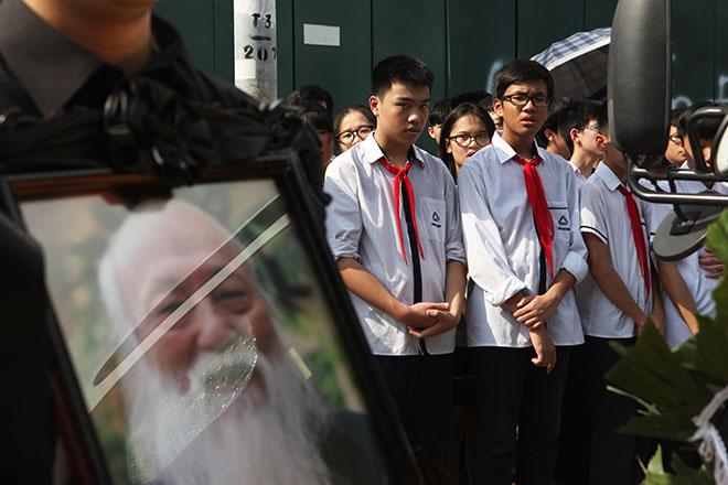 Hàng nghìn người bật khóc hát từ biệt PGS Văn Như Cương lần cuối - ảnh 10