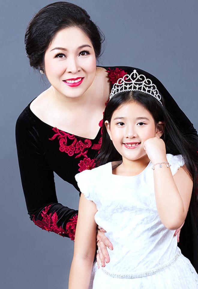 Cô con gái xinh đẹp, tài năng của Hồng Vân sẽ kết hôn cùng bạn trai 6 năm - ảnh 15