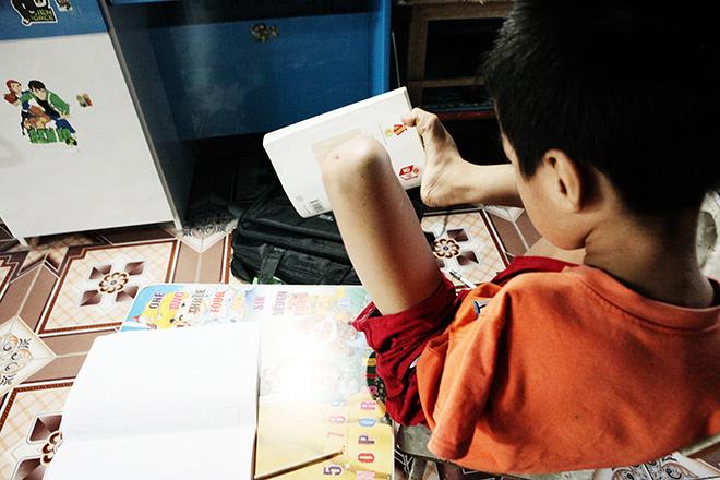Ảnh - Clip: Đôi chân diệu kì của cậu bé 7 tuổi không tay - ảnh 4