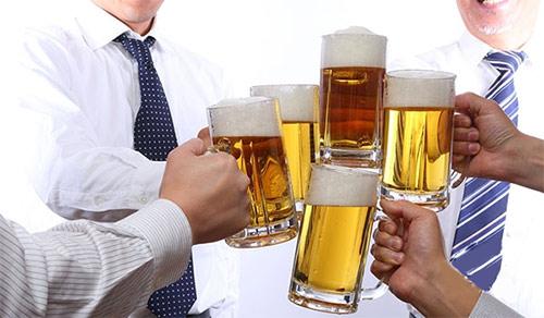 Bí kíp của người Nhật giúp thoát viêm đại tràng do uống rượu bia - ảnh 1