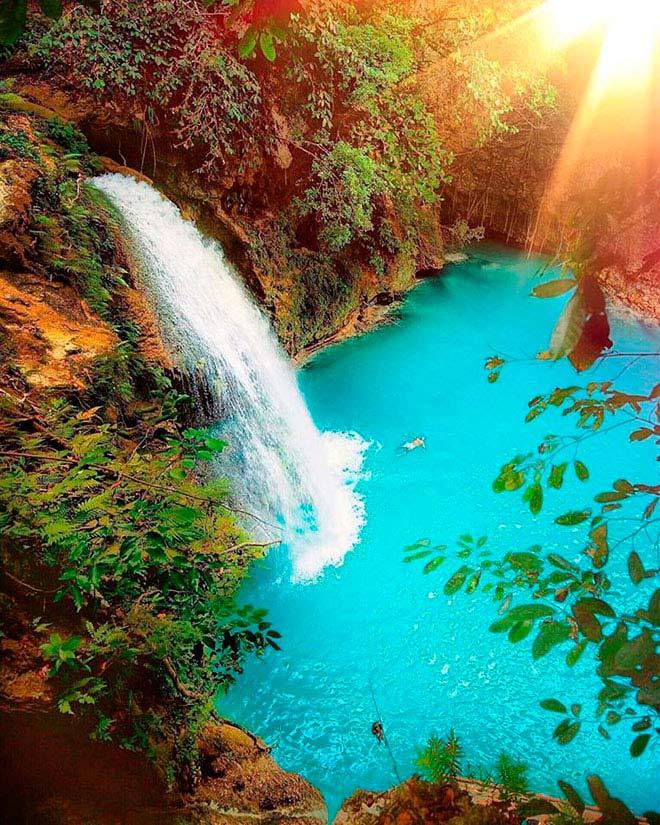 Dạo chơi thác nước đẹp như tiên cảnh ở Philippines - ảnh 2