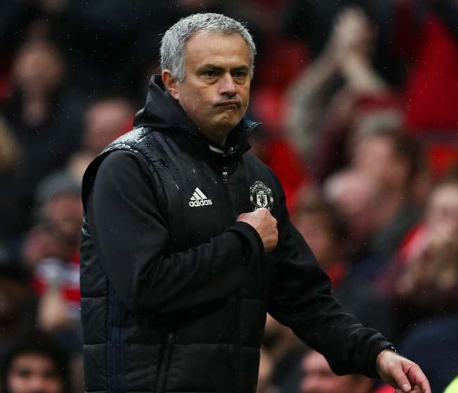 Trước thềm đại chiến với Liverpool, Mu và Mourinho đón tinh vui
