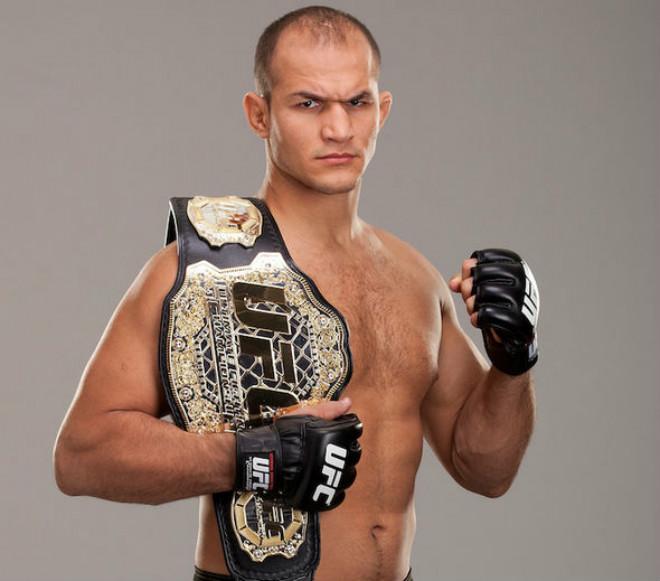 """Tin thể thao HOT 12/10: Võ sĩ UFC """"sững người"""" vì dính doping 1"""