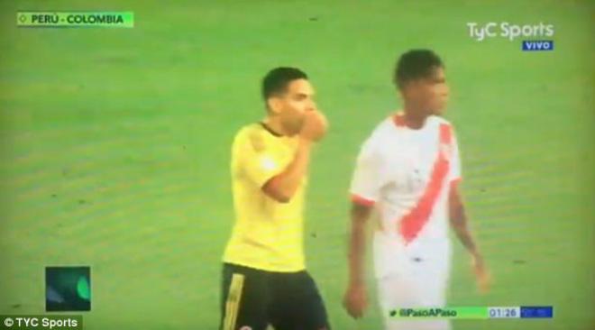 """""""Vết nhơ"""" World Cup: Falcao thừa nhận gạ """"dàn xếp"""", Mỹ tức tưởi bàn thắng ma - 3"""
