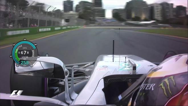 """Đua xe F1: """"Giao tiếp"""" bằng Facebook, đế chế thể thao cuốn hút trở lại 2"""