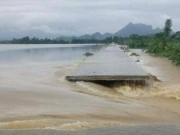 Tin tức trong ngày - Hà Nội: Vỡ đê sông Bùi 2, hàng trăm nhà dân chìm trong biển nước