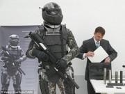 """"""" Áo giáp siêu nhân """"  của lính Nga có thiết bị chống hạt nhân"""