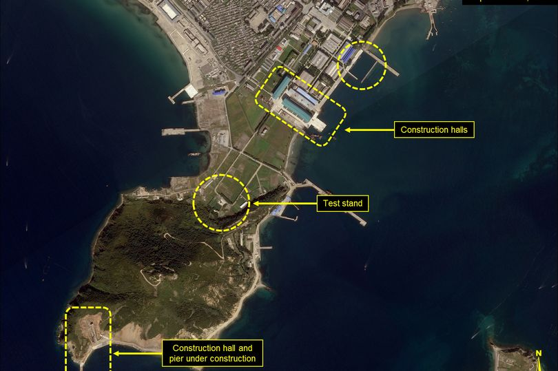 Hoạt động bất thường ở khu tàu ngầm tên lửa đạn đạo Triều Tiên - ảnh 1