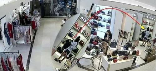 Yêu nữ hàng hiệu TQ trộm 10 chiếc túi đắt tiền làm của riêng - ảnh 2