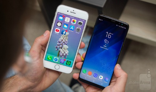 """Apple bị soán ngôi """"vua thiết kế"""" smartphone vì iPhone 8 - ảnh 2"""