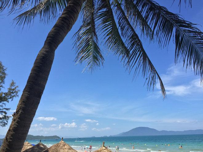 """Ở Nha Trang có một bãi biển đẹp """"thần sầu"""", chẳng kém gì Hawai - 11"""