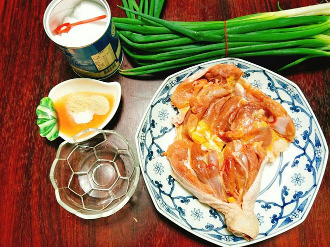 Thịt gà hấp mỡ hành mềm ngọt, béo ngậy ngon không cưỡng nổi - 2