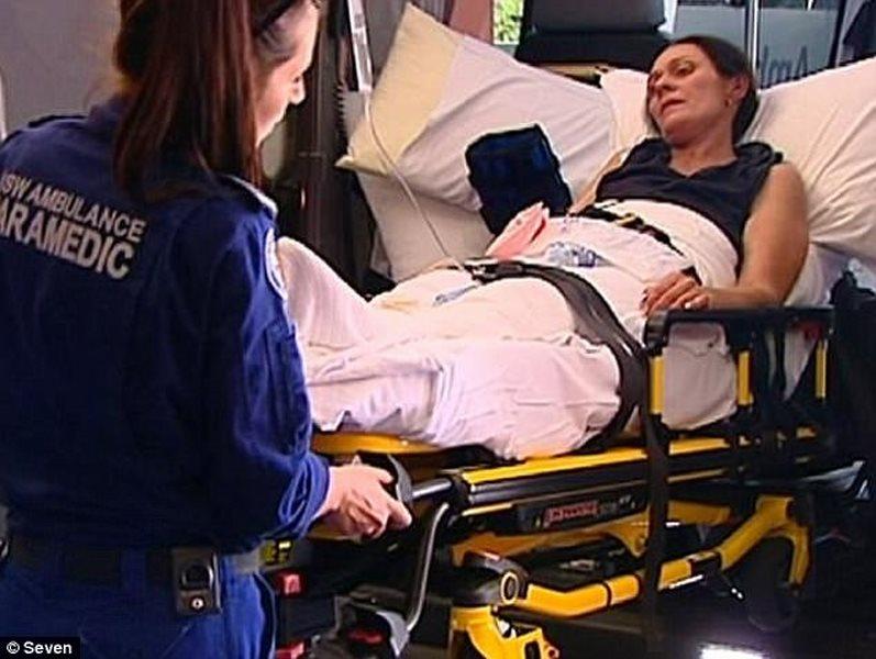 Úc: 2 mẹ con lạc 10 ngày ở rừng, sống sót vì làm theo TV - ảnh 1